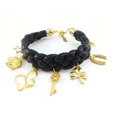 Czarna pleciona bransoletka ze złotymi charmsami