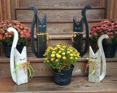 Fall Wood Crafts, Halloween Wood Crafts, Wooden Crafts, Holiday Crafts, Halloween Decorations, Primitive Fall Crafts, Diy Crafts, Holiday Decor, Halloween Veranda