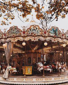 carnival amusement park merry go round Music Aesthetic, Brown Aesthetic, Aesthetic Vintage, Aesthetic Photo, Aesthetic Pictures, Autumn Aesthetic Tumblr, Photography Aesthetic, Jolie Photo, Christmas Aesthetic
