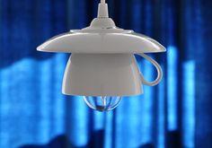 Lampa+LaCafe+2.0+Jednoduché+osvětlení+do+domácnosti,+kavárny,+nad+stůl+či+do+kuchyně...+I+Takto+může+trochu+neobyčejně+posloužit+obyčejný+šálek+s+podšálkem.+Zalijte+svůj+interiér+světlem+z+LaCafe...+ +Obsah+balení+-+ stínidlo+- +(šálek+s+podšálkem),+ elektroinstalace.+Rozměry+-+Průměr+podšálku:+18+cm,+Celková+výška:+11+cm+(šálek+++podšálek)+Výška...