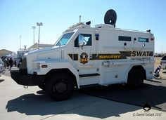 Sheriff's Tactical Vehicles | Pima County Sheriff Tactical Rescue Vehicle Military Police, Military Weapons, Police Officer, Police Truck, Police Cars, Fire Department Ranks, Military Vehicles, Police Vehicles, Armored Truck