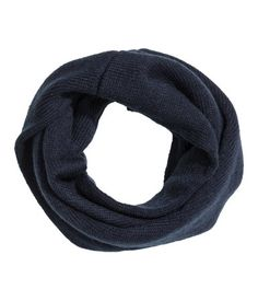 H&M - Tube scarf if you have a little dude to carry it off!!! €6.99 Fab addition to an outfit!