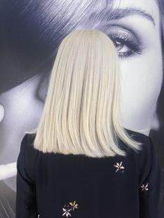 Loiro super platinado,descoloração global!!! #loirosplatinados #loirosdivos #blonde