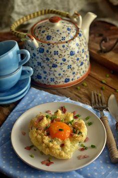 Jajka zapiekane po generalsku - niebo na talerzu Frittata, Sugar Bowl, Bowl Set, Muffin, Utensil Organizer, Breakfast, Healthy, Foods, Haha