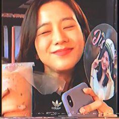 Aesthetic Songs, Kpop Aesthetic, Pink Aesthetic, Blackpink Jisoo, Bp Video, Kpop Gifs, Yg Entertainment, Kpop Girl Bands, Lisa Blackpink Wallpaper