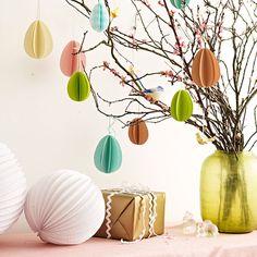 Albero di Pasqua con uova di carta