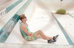 Surf Lifestyle. Duvin. Streetwear. Menswear. Tank Top. Macaw