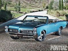 """The very popular Camrao A favorite for car collectors. The Muscle Car History Back in the and the American car manufacturers diversified their automobile lines with high performance vehicles which came to be known as """"Muscle Cars. Muscle Cars Vintage, Vintage Trucks, 67 Pontiac Gto, Chevrolet Camaro, Best Muscle Cars, American Muscle Cars, General Motors, 1967 Gto, Convertible"""