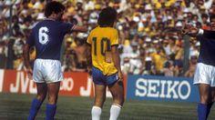 Le 5 juillet 1982, une des plus belles équipes de l'histoire disparaissait à la surprise général aux portes du dernier carré de la Coupe du monde, en s'inclinant face à l'Italie. L'échec du Brésil de Zico et Socrates, ce jour-là, à Sarria, marquerait la fin d'une certaine idée du football brésilien. Du football tout court, donc.