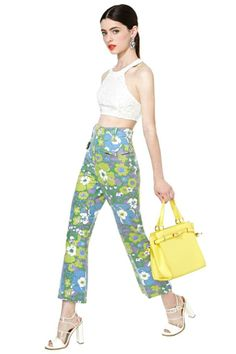 Fez Pants Trendy Outfits, Cool Outfits, Fashion Outfits, Funky Pants, Elegant Outfit, Printed Pants, Get Dressed, Couture Fashion, Beautiful Outfits