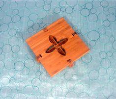 Fleur trivet - www.giogiodesign.com https://www.etsy.com/listing/191775508/fleur-trivet