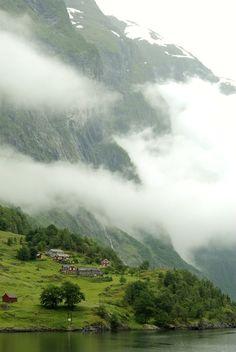 The misty fjords,   Nærøyfjord/ Norway (by George Goodman).