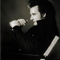 David Vanian of 'The Damned' Notting Hill Gate, 1986 Bad Boyfriend, Goth Bands, Goth Music, Goth Subculture, The Cramps, Gothabilly, Gothic Rock, Post Punk, Dark Fashion