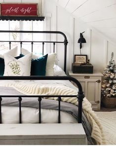 Most current Pictures Wrought Iron headboard Ideas Home designing together with wrought iron is just as robust currently as being the wrought iron material itsel. Guest Bedrooms, Master Bedroom, Bedroom Decor, Modern Bedroom, Bedroom Ideas, Headboard Ideas, Bedroom Designs, Rod Iron Beds, Wrought Iron Headboard