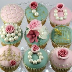Most popular tags for this image include: cupcakes, vintage, cute, sweet and pink Pretty Cupcakes, Beautiful Cupcakes, Flower Cupcakes, Tea Cupcakes, Wedding Cupcakes, Valentine Cupcakes, Rose Cupcake, Decorated Cupcakes, Cupcake Art