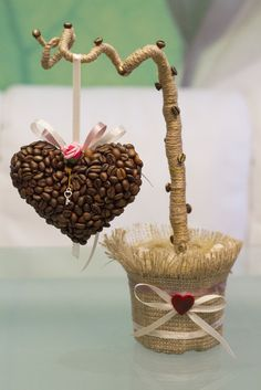 Топиарий из кофе в форме сердца (Дерево счастья), авторская работа с душой