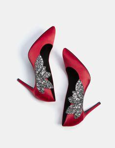 Zapato tacón fino joyas