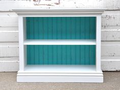 this lil' bookcase would be cute in a kid's room
