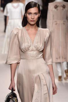 Fendi, Automne/Hiver 2018, Milan, Womenswear