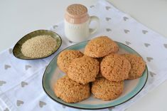 Biscuiti cu quinoa - Retete culinare by Teo's Kitchen Krispie Treats, Rice Krispies, Yummy Food, Yummy Recipes, Quinoa, Biscuit, Gluten, Mousse, Cookies