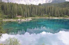 Il lago di #Carezza a #Bolzano, nel blu dipinto di blu... - una pic di frocchietta