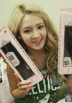 Girls' Generation members and their adorable pictures for 'Hair Couture'
