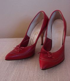 1950s galaxies red spectator pumps. size 4.