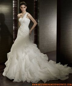 2011 Ball Gown Sweetheart One-Shoulder Organza Wedding Gowns Organza Wedding Gowns, Unique Wedding Gowns, Wedding Dresses Uk, Princess Wedding Dresses, Cheap Wedding Dress, Designer Wedding Dresses, Bridal Dresses, Bridesmaid Dresses, Gown Wedding
