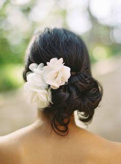 49 New Ideas Wedding Hairstyles Updo Brunette Low Buns Hairdo Wedding, Wedding Hair Flowers, Bridal Updo, Wedding Hairstyles For Long Hair, Wedding Hair And Makeup, Flowers In Hair, Bridal Hairstyles, Chiffon Flowers, Bridal Rings