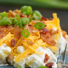 Potato salad is a Southern staple much like pimento cheese and fried chicken is. My Bacon Ranch Twice Baked Potato Salad Recipe is a new take on potato salad. It's a cross between Twice Baked Potatoes (Pimento Cheese Mom) Granola, Buffet, Salad Recipes Video, Recipe Videos, Twice Baked Potatoes, Cheesy Potatoes, Mashed Potatoes, Pimento Cheese, Comfort Food
