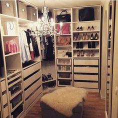 Quartos Femininos @roomforgirl @juli88prInstagram photo | Websta (Webstagram) (MY CLOSET)