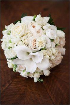 Rosas, mini rosas y calas...