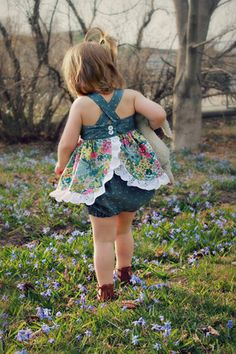 Charleston Baby Top, Pinafore and Bloomers PDF Sewing Pattern, including sizes newborn – 4 years, Baby Pattern – Nombres de bebés y ropa de bebé. Toddler Dress, Toddler Outfits, Toddler Girl, Kids Outfits, Fall Outfits, Summer Outfits, Smocked Baby Dresses, Little Girl Dresses, Toddler Fashion