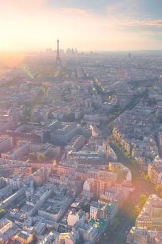View over Paris   France (by Matthieu Legrand  - www.mathieulegrand.fr)