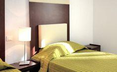 Park&Suites Village Toulon Six-Fours*** - Chambre Twin #toulon #hotel #apparthotel #village #chambre http://www.parkandsuites.com/fr/apparthotel-six-fours-toulon