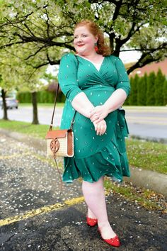 Feel flirty and fun in this plus size wrap dress from Kiyonna Clothing. This frock features cascading flounces and is available in a variety of beautiful prints. Pink Fashion, Curvy Fashion, Women's Fashion Dresses, Fashion Looks, Plus Size Fashion For Women, Plus Size Womens Clothing, Plus Size Outfits, Flattering Plus Size Dresses, Mode Plus