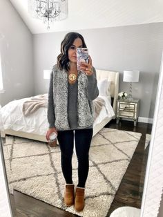 winter outfits with uggs jeans ; winter-outfits mit uggs jeans winter outfits with uggs jeans ; Simple Winter Outfits, Winter Boots Outfits, Cold Weather Outfits, Fall Outfits, Casual Outfits, Cute Outfits, Ugg Boots Outfit, Winter Clothes, Church Outfits