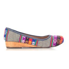 """'Inti Patterned' Gray flat reminiscent of Inca design. Handmade with a 1"""" wedge heel. Pretty spiffy!"""