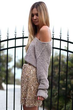 Sparkly skirt, knit off the shoulder sweater. Sequin Skirt Outfit, Skirt Outfits, Cute Outfits, Sequined Skirt, Embellished Skirt, St Style, Mode Style, Sparkly Skirt, Gold Skirt