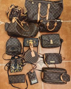 top quality replica handbags, louis vuitton replica, chanel replica, dior replica, hermes bag replica, gucci replica replica belts Where to obtain this purses🖤👉🏻👉🏻click image/video to reach our site or check our website: www.vho.to or ☎️WhatsApp: +8618666021721 👈🏻👈🏻👈🏻 ▪️▪️▪️ ✈️Worldwide Express Shipping🌏 ▪️▪️ Repin it if you like my posts :) #fashioni #lookofthday #fashiom #womenstrends #fashiong #outfitstyling #efboutique #gottohaveit #womensfasion #celebinspired #stylein.. Dior Handbags, Best Handbags, Louis Vuitton Handbags, Purses And Handbags, Look Fashion, Fashion Bags, Runway Fashion, Fashion Trends, Best Designer Bags