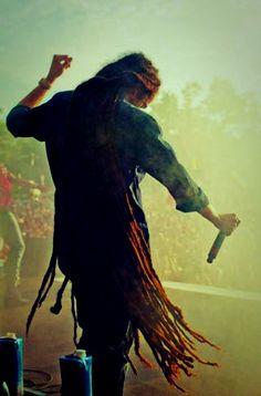 """Put the worst on display, so the world can see;"" - Damian Marley, nearly floor-length dreads Damian Marley, Dreadlocks, Dreadlock Rasta, Marley Brothers, Marley Family, Arte Hip Hop, Reggae Artists, Nesta Marley, Reggae Music"
