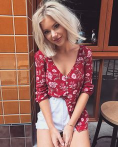 Likes, 34 Comments - Laura Jade Stone . Look Fashion, Fashion Beauty, Fashion Outfits, Spring Summer Fashion, Spring Outfits, Laura Jade Stone, Cool Outfits, Casual Outfits, Vetement Fashion