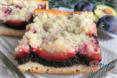 Kynutý švestkový koláč s mákem | NejRecept.cz No Bake Desserts, Dessert Recipes, Sweet Cakes, Meatloaf, Deli, Sweet Recipes, Cheesecake, Deserts, Food And Drink