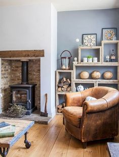 Awesome DIY Living Room Fireplace Ideas - Home Professional Decoration Cottage Living Rooms, Coastal Living Rooms, New Living Room, Living Room Interior, Home And Living, Modern Living, Living Room Wall Colours, Cosy Living Room Decor, Country Living Room Rustic