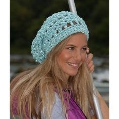 Free My Mountain Pattern Rio Grande: Watch out, girls! With this cool hat you´ll not only catch everyone´s eye by day, but in the dark too. That´s when it'll reflects bright lights thanks to the Schachenmayr select Lumio Cotton yarn. Crochet With Cotton Yarn, Crochet Yarn, Free Crochet, Crotchet, Crochet Cushion Cover, Crochet Cushions, Slouchy Beanie Pattern, Crochet Beanie, Rio Grande