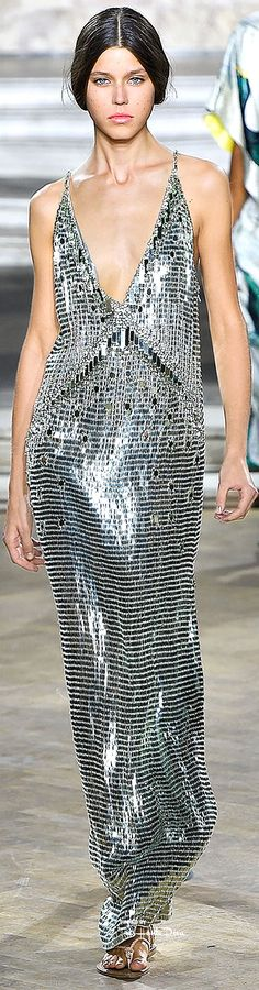 Temperly London Spring 2016 RTW ♔ Très Haute Diva ♔ For more fashion visit my website at http://www.treshautediva.com/temperley-london-spring-2016-pinterest