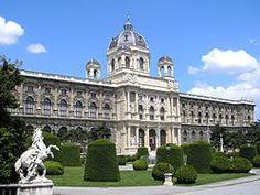 Das Naturhistorische Museum in Wien (kurz: NHM) zählt mit rund 30 Millionen Sammlungsobjekten zu den bedeutendsten Naturmuseen der Welt und ist eines der größten Museen Österreichs.