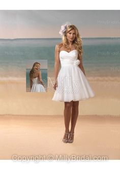 A-line Sweetheart Organza Hand Made Flower White Short/Mini Wedding Dress at Millybridal.com