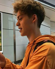 He's boyfriend material I tell you 💖 New Hope Club, A New Hope, Teen Boy Photography, Blake Richardson, Reece Bibby, British Boys, Boyfriend Material, Beautiful Boys, Celebrity Crush