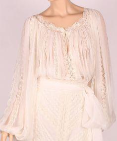 IE Ukrainian Wedding Traditions, Romanian Wedding, Boho Fashion, Vintage Fashion, Vintage Style, Folk Clothing, Traditional Wedding Dresses, Gorgeous Fabrics, Peasant Blouse